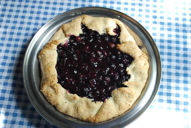 Blueberry rustic pie-tart