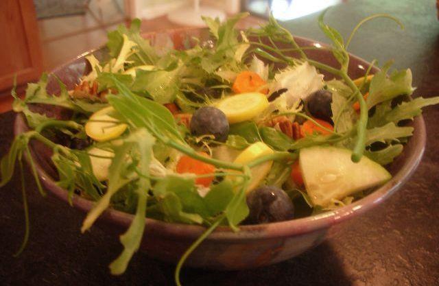 Early_summer_salad_2